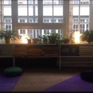 arcencielyoga-la-maison-du-yoga-salle-de-cours