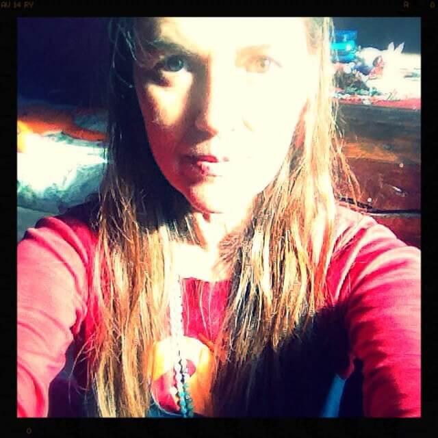 arcencielyoga-cv-anne--selfie-rouge